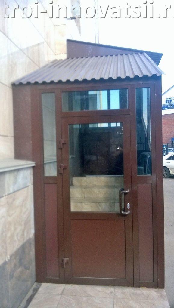металлическая дверь и холодный тамбур