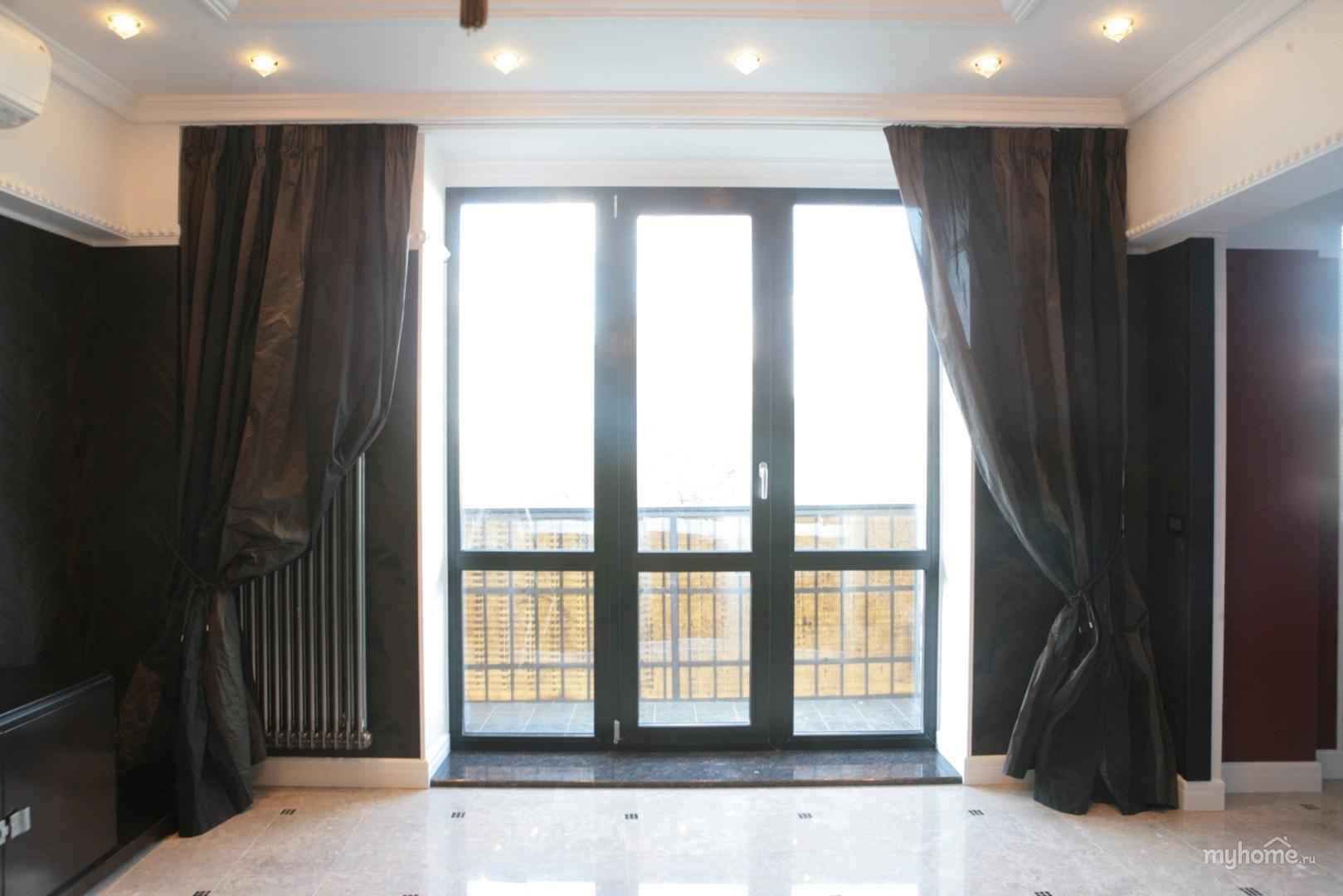 Перегородка между балконом и комнатой.