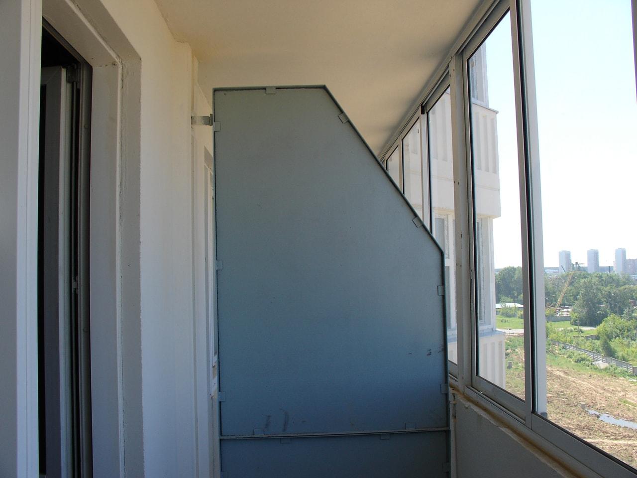 Раздвижные перегородки на балкон.