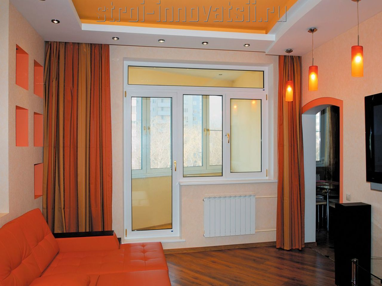 Прозрачные балконные двери.